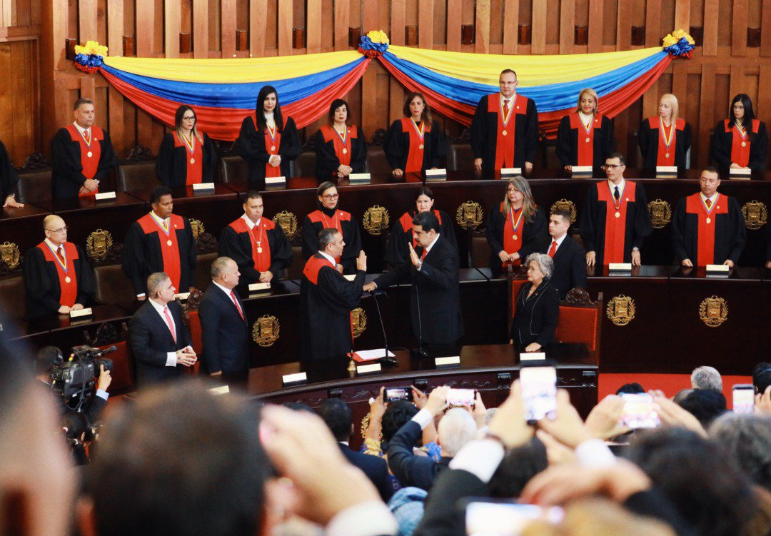 The Inauguration of Venezuelan President Nicolas Maduro according to Twitter